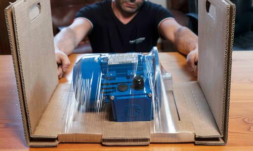 GGマシン TPモデル トレイ一体型梱包で緩衝材レス包装が可能